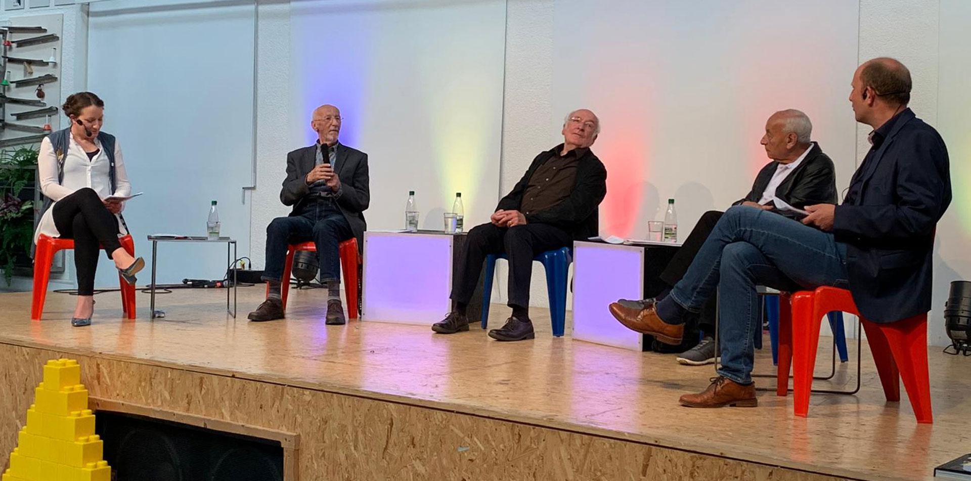 Podium Zeitzeugen-Gespräch im Walter-Gropius-Gymnasium, Selb