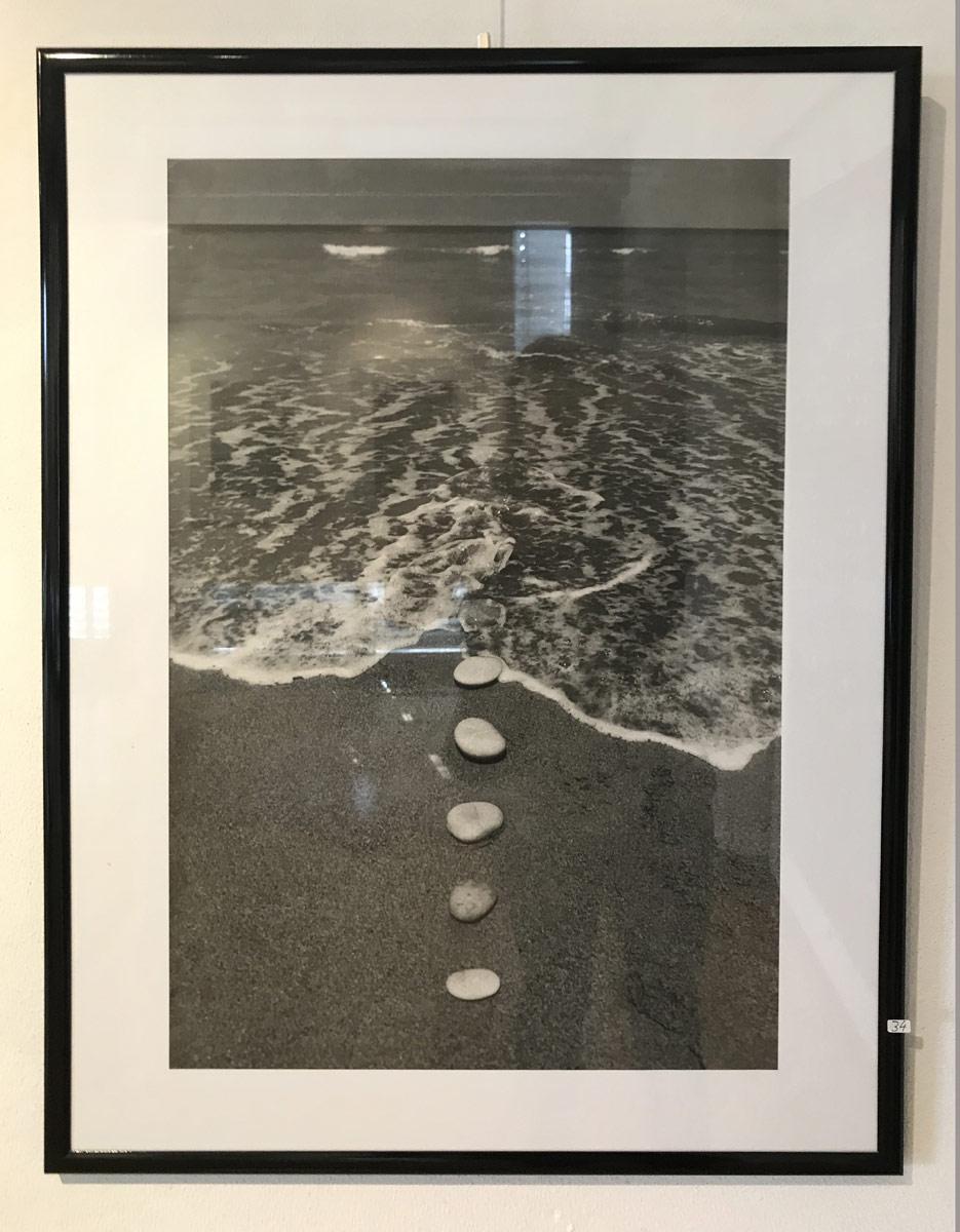 Werk von Hořínek- digitale Fotografie - aus Der Serie: triptychon 9 steine und das meer - 2000 - 58 x 37 cm