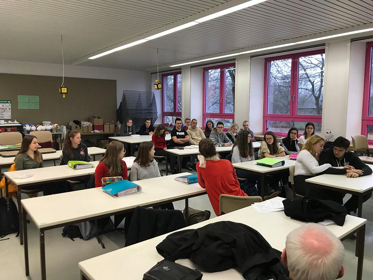 1. Treffen im Walter-Gropius-Gymnasium in Selb