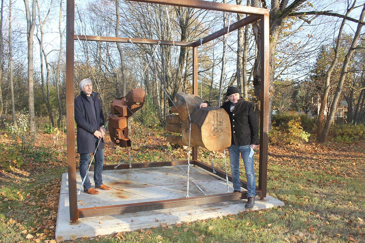 Skulptur Handreichung mit den Künstlern